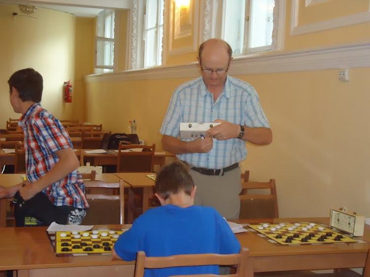 Одним из судей соревнований был тренер-преподаватель СДЮСШОР 17 Вячеслав Купцов