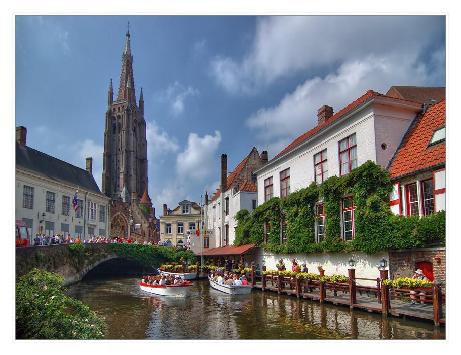 Бельгийский город Брюгге иногда называют Северной Венецией